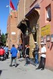 Ulica Marrakesh tradycyjny zdrój - hamam - obraz royalty free