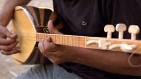 Ulica muzyk bawi? si? Tureckiego instrument zdjęcie wideo
