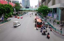 Ulica przy śródmieściem w Bangkok, Tajlandia Fotografia Stock