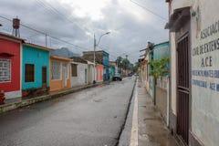 Ulica w Cumanacoa miasteczku Fotografia Royalty Free
