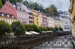 Ulica w Karlovy Zmienia Karlsbad, republika czech Zdjęcia Royalty Free