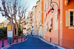 Ulica w Monaco wiosce w Monaco Monte, Carlo - zdjęcia stock