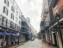 Ulica w nowym Orleans przy nocą i, dnia życie, ja wszystko zaczyna zdjęcia royalty free