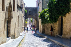 Ulica w starym mieście Rhodes Obrazy Royalty Free