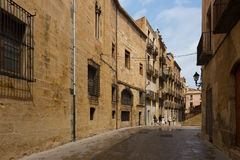 Ulica w starym okręgu Tortosa, Hiszpania Obrazy Stock