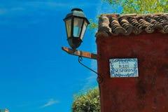 Ulica westchnienia Colonia lub Calle De Los Suspiros en, Uruauy obraz stock