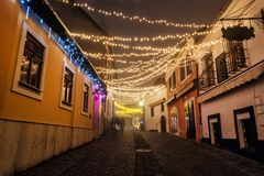 Ulica z historycznymi domami, Szentendre, Węgry, Bożenarodzeniowy czas Zdjęcie Royalty Free