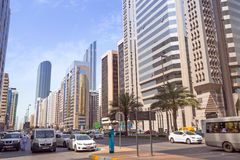 Ulicy Abu Dhabi, stolica Zjednoczone Emiraty Arabskie. Zdjęcia Stock