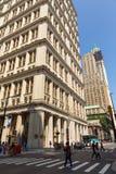 Ulicy i drapacze chmur w centrum nowy Jork miasto blisko Wall Street Zdjęcia Stock