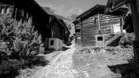 Ulicy wioska w Binntal w lecie Valais, Szwajcaria obraz stock