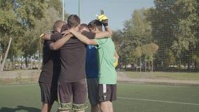 Uliczna drużyna piłkarska w futbolu ulicznym zbiory wideo