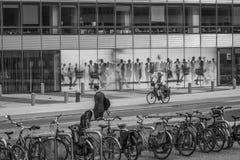 Uliczna fotografia w czarny i biały w Bruksela, Belgia/06 27 2016 Zdjęcia Stock
