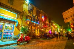 Uliczna kawiarnia przy nocą w Kair, Egipt obraz stock