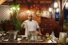 Uliczna kawiarnia w Dubaj Marina zdjęcie royalty free