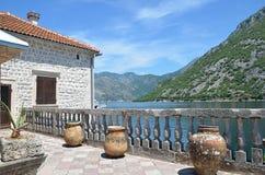 Uliczna kawiarnia w starym miasteczku, Montenegro Zdjęcia Stock