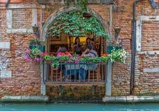 Uliczna kawiarnia w Wenecja Włochy zdjęcia royalty free
