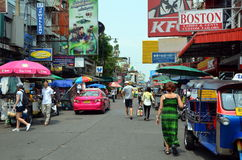 Uliczna Khao San droga w Bangkok obrazy stock