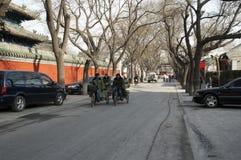 Uliczna scena w lokalnym okręgu na zima dniu zdjęcie stock