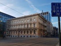 Ulicznego widoku whit rogu ulicy buildig farby starzy coms budynek są w odświeżaniu Obraz Royalty Free