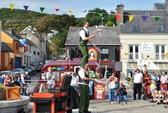 Uliczni Jugglers, Clifden, Co.Galway, Irlandia Obraz Stock