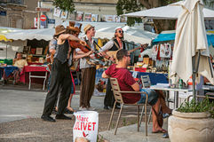 Uliczni wykonawcy robi przedstawieniu widz w Avignon Obraz Stock