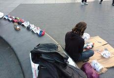Uliczny artysta, Guy Fawkes maski, Waszyngton kwadrata park, NYC, NY, usa Obraz Stock