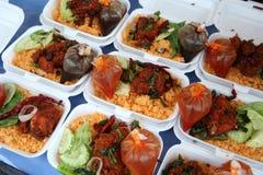 Uliczny jedzenie na noc rynku - smażący ryż dla iftar, Putrajaya, Malezja Obraz Stock