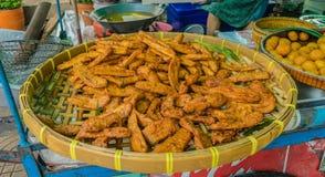 Uliczny jedzenie w Bangkok: smażący banany fotografia royalty free