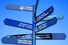 Uliczny kierunkowskaz Cardiff Zdjęcie Royalty Free