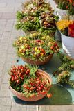 Uliczny kram z kwiatami przy Głównym Targowym kwadratem, Krakow, polityk Zdjęcie Stock