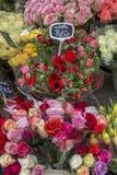 Uliczny kwiatu sklep w Paryskim Francja Fotografia Stock