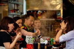 Uliczny lunch Hanoi obrazy royalty free