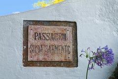 Uliczny nameplate w Angra robi Heroismo, Terceira wyspa, Azores Obraz Stock