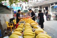 Uliczny owocowy stojak Fotografia Royalty Free