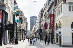 Uliczny pełny sklepy w Bruksela, Belgia Obraz Royalty Free