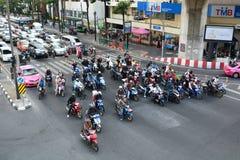 Uliczny ruch drogowy w centrum miasta Bangkok Tajlandia Zdjęcie Stock