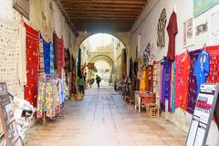 Uliczny rynek w Medina Essaouira Maroko Fotografia Royalty Free