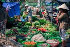 Uliczny rynek w Wietnam z warzywami Zdjęcia Stock