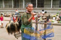 Uliczny sprzedawca przy rynkiem Yangon na Myanmar Obraz Royalty Free