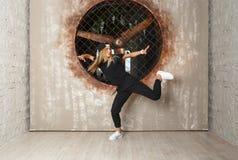 Uliczny taniec dziewczyny tancerz Zdjęcia Royalty Free