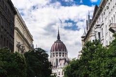 Uliczny widok Budepest punkt zwrotny - parlament Zdjęcia Stock