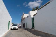 Uliczny widok Teguise miasteczko, Lanzarote wyspa, Hiszpania obraz royalty free