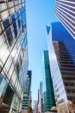 Uliczny widok z drapaczami chmur w Manhattan, NYC Obraz Royalty Free