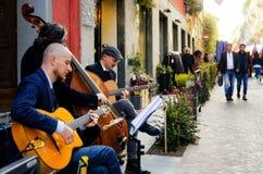 Uliczny zespół w Alba Włochy podczas truflowego jarmarku Zdjęcie Royalty Free