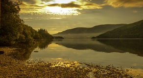 Ullswater-Sonnenaufgang lizenzfreies stockbild