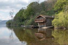 Ullwater湖的船库在湖区 免版税库存图片