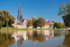Ulm en de rivier van Donau Stock Fotografie