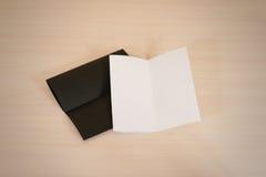 Ulotki pustego miejsca dwa ulotki Bielu i czerni broszurki papierowy mockup zdjęcia stock