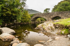 Ulpha-Brücke in Duddon-Tal lizenzfreies stockbild