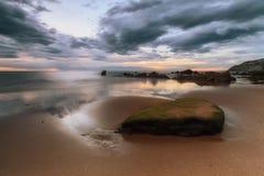 Ultime luci di giorno alla spiaggia di Barrika Fotografia Stock Libera da Diritti